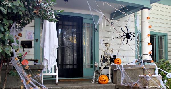 Skeleton Halloween Porch decor